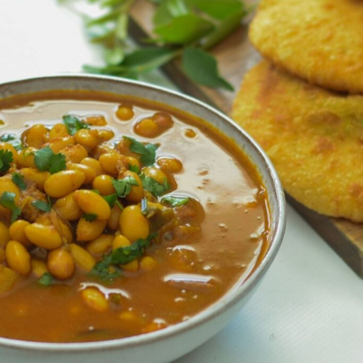 Gadra Barlotti Bean Curry