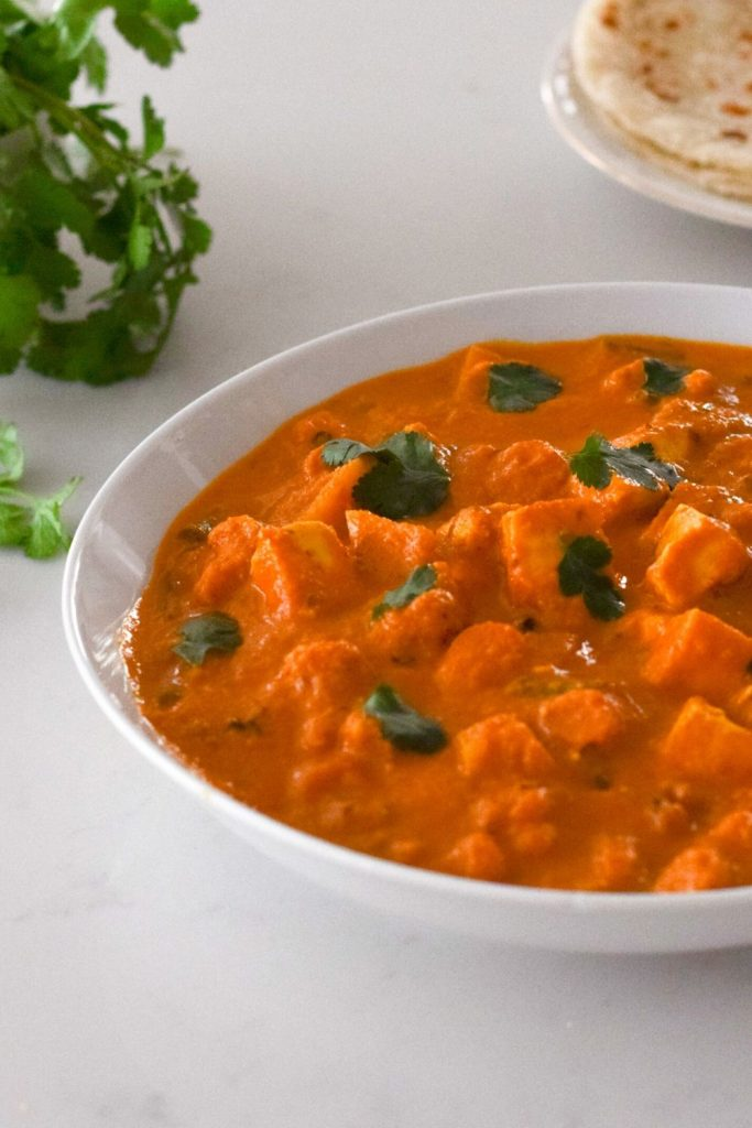 Easy Vegetable Makhani in a white bowl