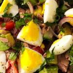 Summer salad with tuna, avocado and egg