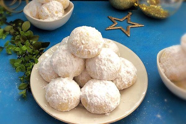 Greek Almond Cookies