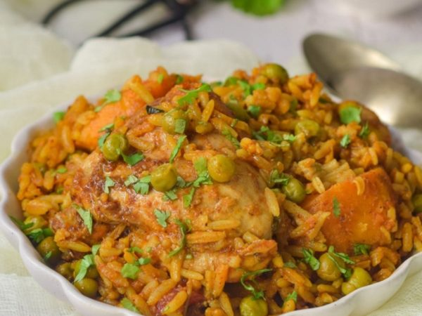 Delicious Easy Chicken Akni