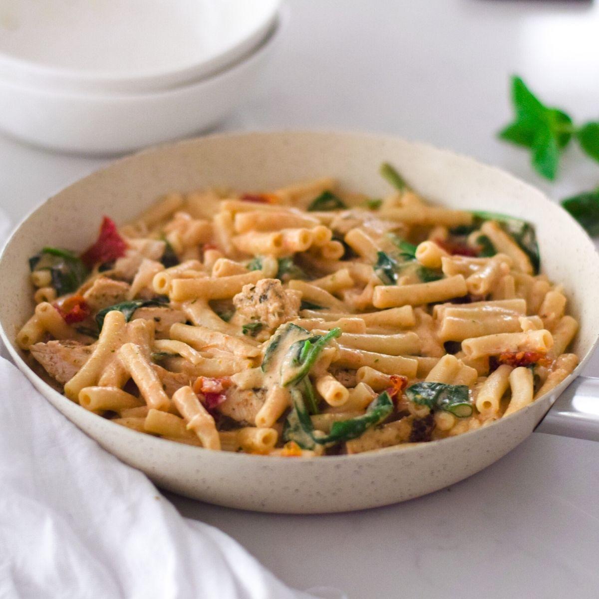 Creamy Sundried Tomato Spinach Pasta