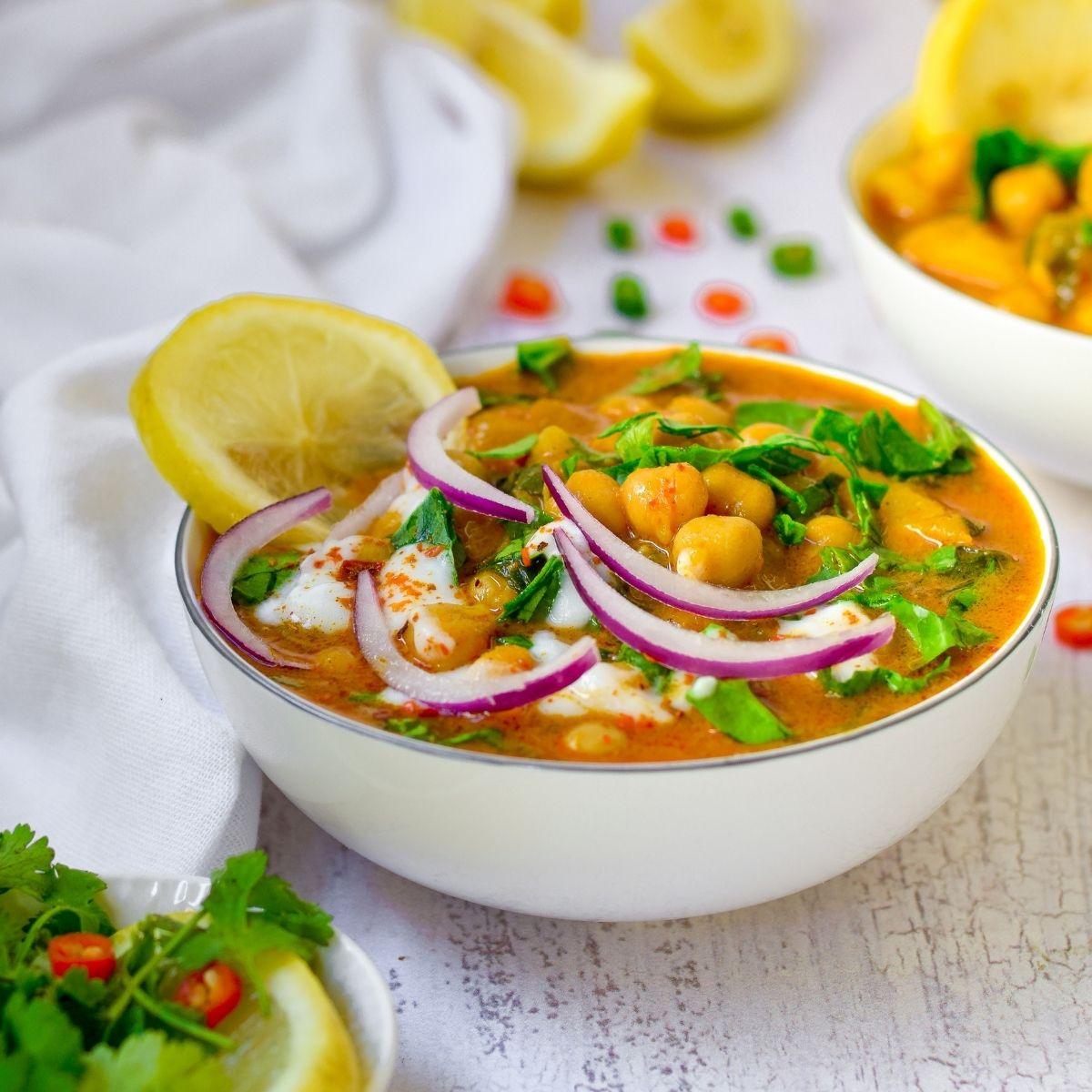 Delicious Chickpea Potato Spinach Curry