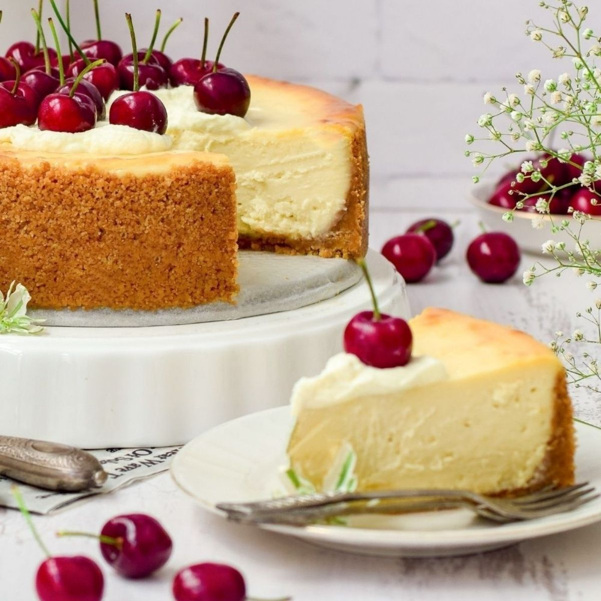 Delicious Baked White Chocolate Cheesecake