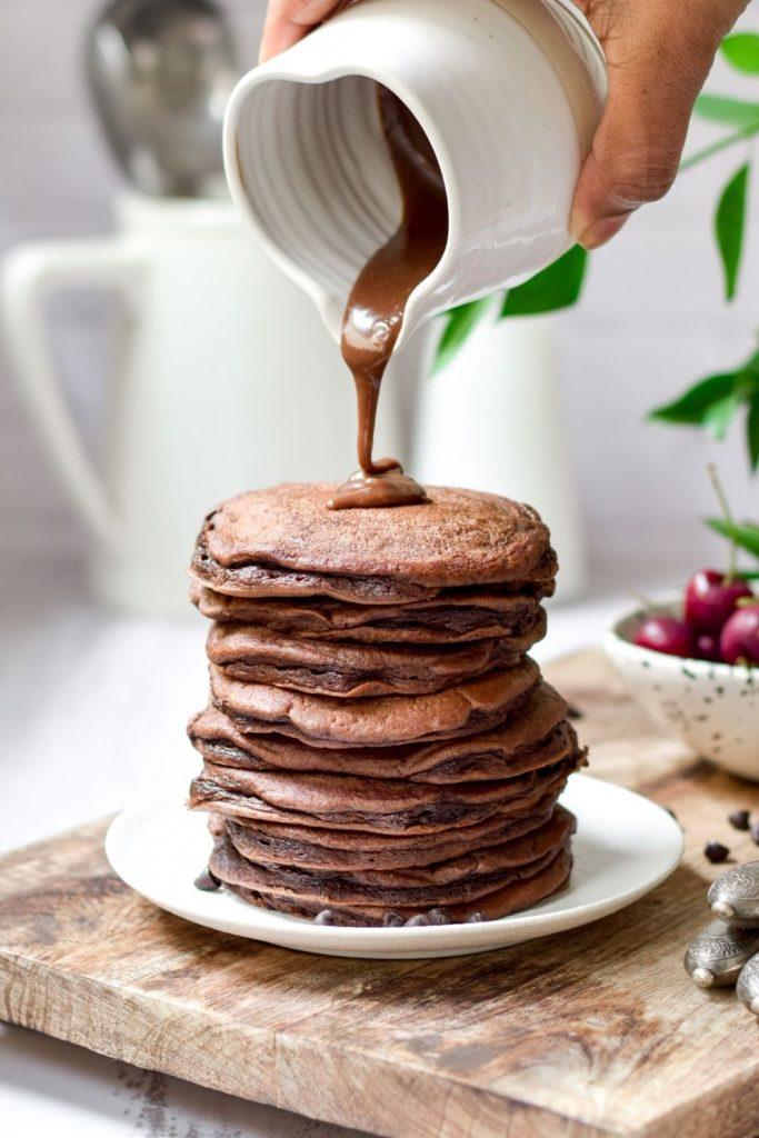 Fluffy Chocolate Pancakes with chocolate ganahe